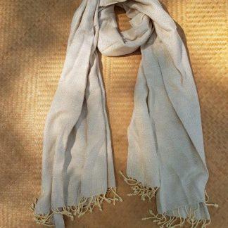 handgeweven-omslagdoek-sjaal
