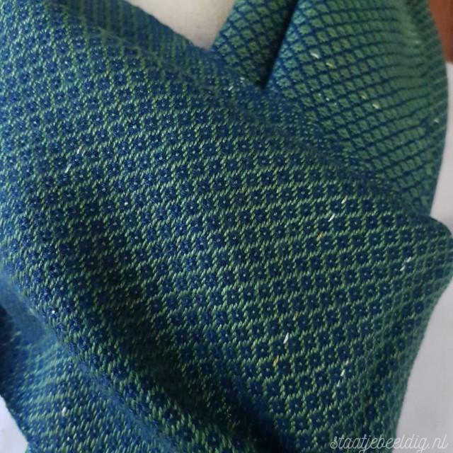 groen met indigoblauwe sjaal